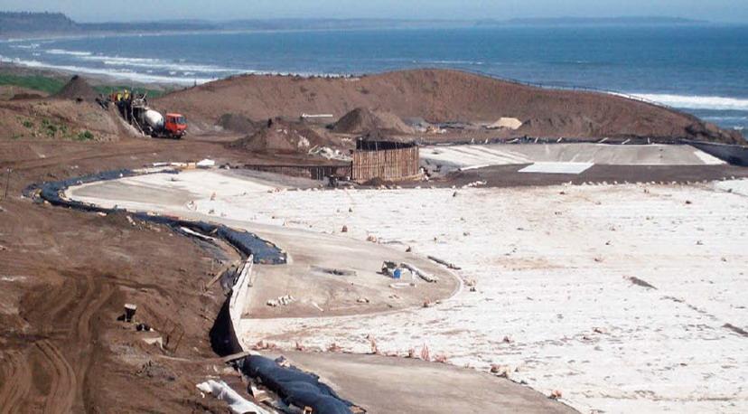 Las Brisas de Santo Domingo lagoon undergoing construction.