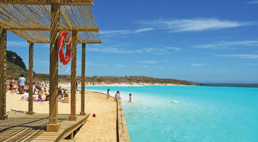 The finished lagoon in Las Brisas de Santo Domingo, Chile.